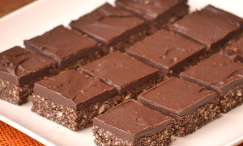 Nepečené brownies s čokoládovým krémom