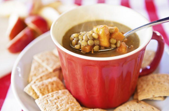 Šošovicová polievka s batátmi