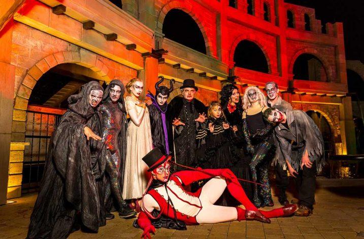 Halloween s čarodejnicami, mágmi a trolmi