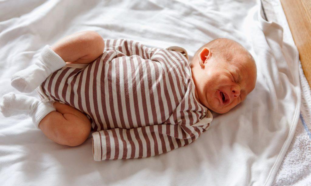 10 tipov ako zabojovať s dojčenskou kolikou