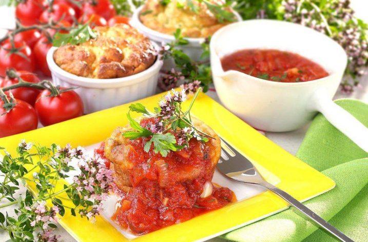 Zemiakový nákyp v rajčinovej omáčke