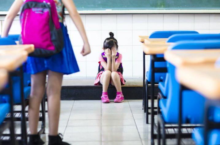 Druháčka šikanuje spolužiačku