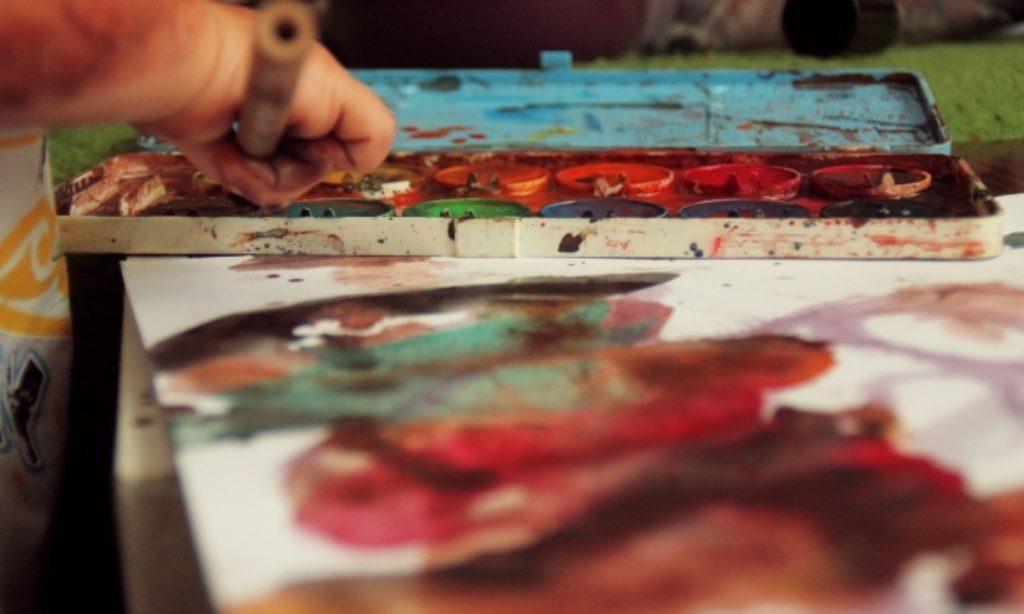 Alžbetka maľuje. Čo všetko skrýva machuľa?