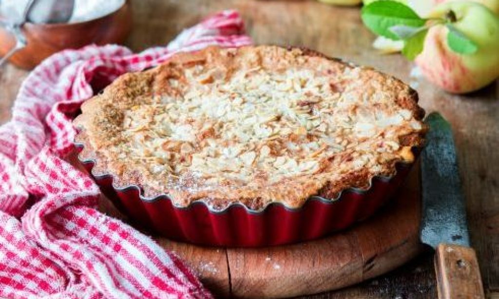 Jablkový koláč s mandľovými lupienkami