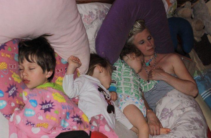 Spoločné spanie s dieťatkom – cesta k harmónii a porozumeniu