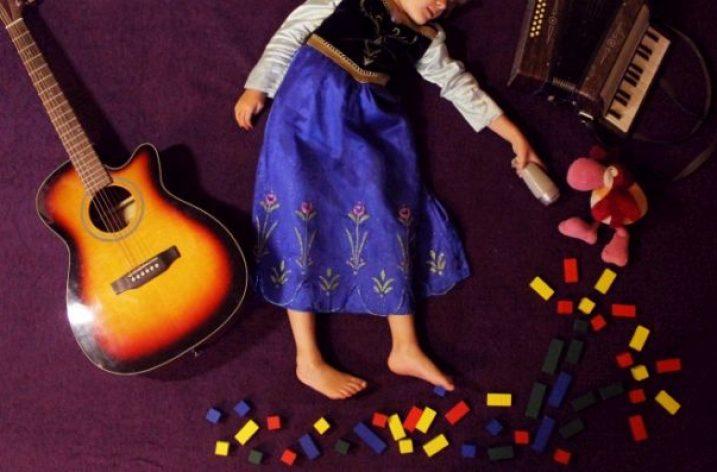 Rozprávka o roztrasenom kráľovstve (venované deťom, ktoré majú odvahu plakať)