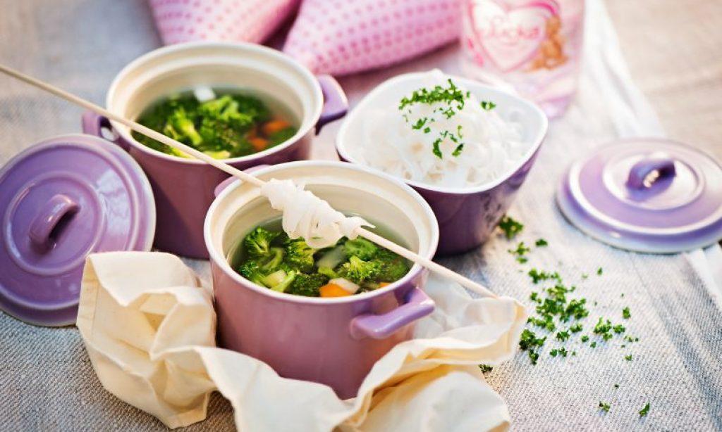 Zeleninová polievka s ryžovými rezancami