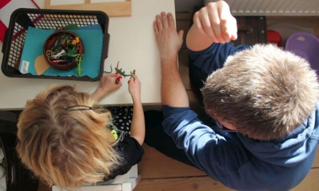 ♪ Montessori herničky pre deti? Mali by byť pre rodičov