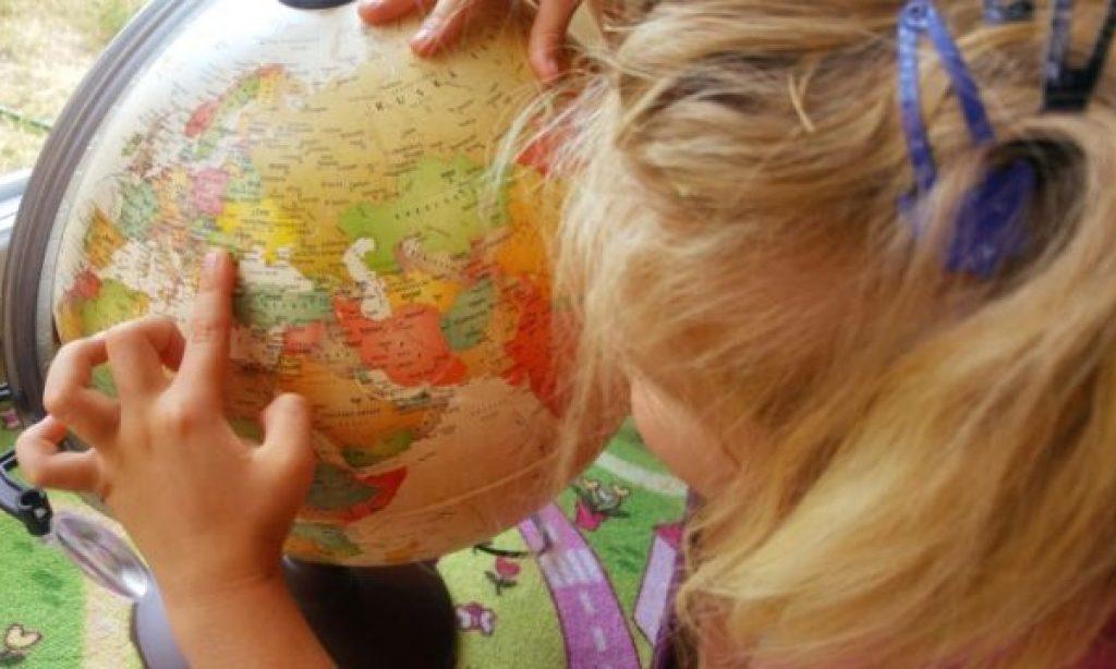 ♪ Alžbetka a globálna dedina: Kamaráti z celého sveta