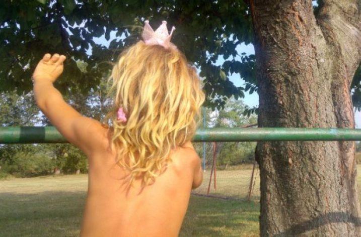 ♪ Alžbetka a sloboda. Je princezná alebo Mauglí?