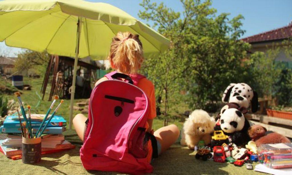 ♪ Ako naskočiť na vlak domškoláctva, keď sa deti nevedia sústrediť?