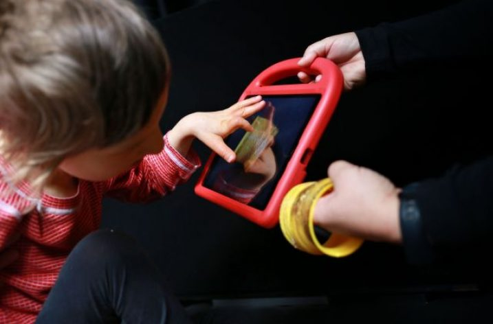 Detí, ktoré sa potrebujú učiť vidieť, pribúda