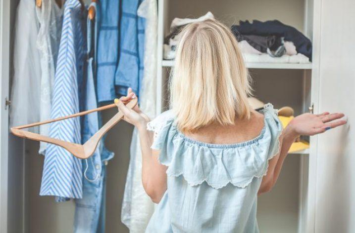 Minimalizmus v ženskom šatníku